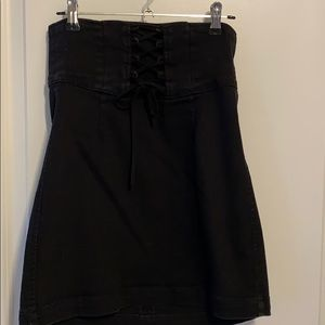 High waisted miniskirt with tie up